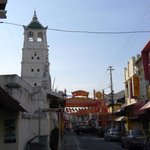  View of the Kampung Kling Mosque tower from down the street