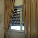  Window shutter