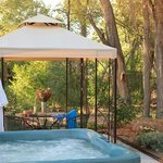  Enjoy our year-round, outdoor hot tub. Perfect, after a day of sightseeing.