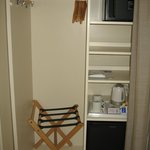  Armario, minibar y servicio de caf/t
