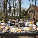  high tea op het terras van de Holtweijde