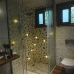  Shell lined showers