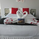  The bed with swan towels!