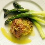  fresh asparagus, with baked honeyed ham parcels