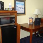 Coffee maker, micro, fridge, desk
