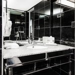  Onyx Suite Bathroom