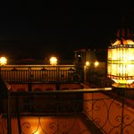 La terrasse by night