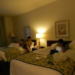 Photo de Fairfield Inn Visalia