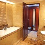  Bathroom Asmila Boutique Hotel Bandung