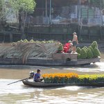 Floating market vendors