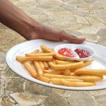 5 USD french fries at the pool !