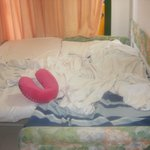  kids bed spose to sleep 3 children not made the beds