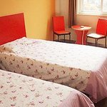 Motel 168 (Shanghai Shilong Road)