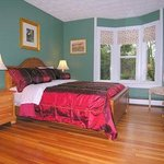 La Maison Drew Bed and Breakfast