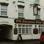 The Old Fourpenny Shop Hotel resmi