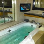  Bath with TV