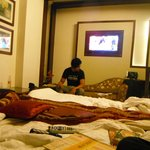 AT Residency Hotel resmi