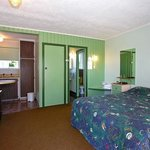 Camberley Court Motel