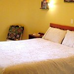 Ivanhoe Holiday Suites