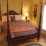 ‪Louisbourg Heritage House Bed & Breakfast‬