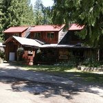 Lemon Creek Lodge & Campground