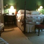 The Oaks Victorian Inn resmi