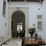  Hotel Cavalieri - lobby area