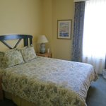  Queen Accommodations Room 202