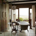 Singita Sasakwa Lodge Bathroom