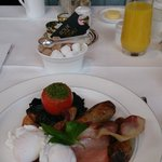 English Breakfast at ROUX