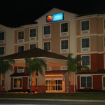 Comfort Inn &amp; Suites Maingate South