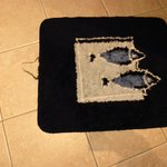  Scruffy bath mat