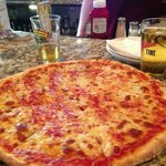 Strawberry&#39;s Pizza and Pub