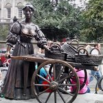 The Molly Malone statue.