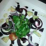 beetroot & goat's cheese salad