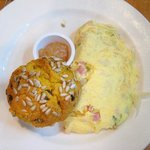 omelet with pumpkin muffin