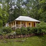 Whispering Creek Guest Cottage