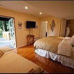 Selkirk House Bed & Breakfast