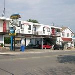 Inn on the Niagara Parkway