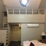 2 beds on the terrace, 4 beds on the g. floor. Cool bedroom setup at rm 310.