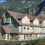 Squamish International Hostel