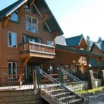 HI-Shuswap Lake Hostel