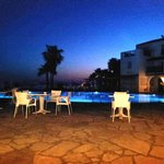  Akti Beach Hotel - Pool at night