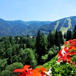  Sommer - Sonne - Semmering. 90km sdlich von Wien liegt das Tradtionshotel Panhans mit 113 Zimme