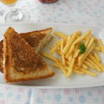 Oppi Stoep, toasted sandwich