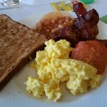 breakfast buffet plate size!