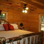 Oak Valley Log King size bed