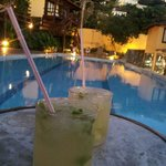  Caipiras al lado de la pileta, una buena tarde.