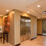  Lobby Elevator
