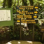  Rotulacin y Mapa de los Senderos / Map and signs of the Trails